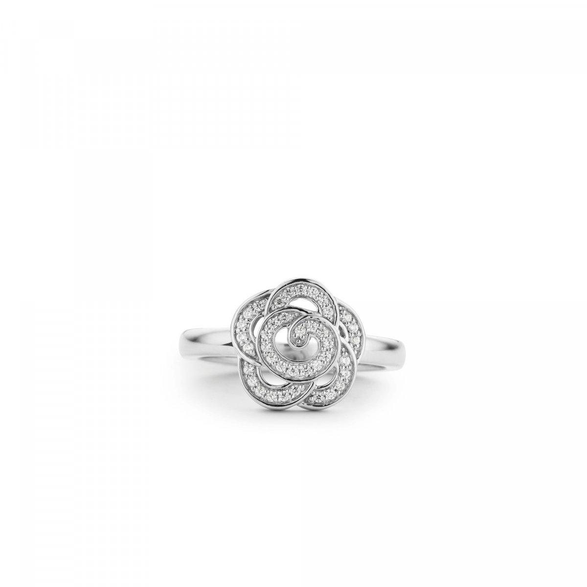 Prsteň TI SENTO s kvetinovým vzorom
